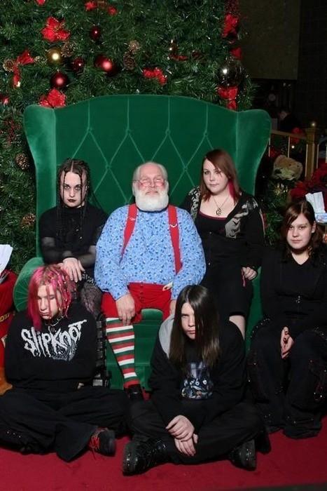 Goths de Noel.  Awkward-family-photo-christmas-goth